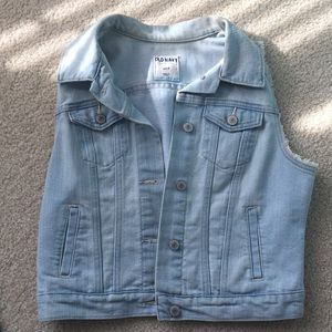 Light blue jean jacket with the sleeves cut off